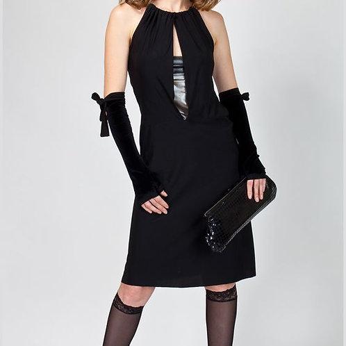 Платье коктейльное с V-образным вырезом