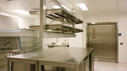 無塵室設備_客製化無塵室設備_不鏽鋼_無塵室工作桌