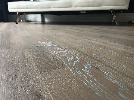 Red Oak with Loba Impact Oil Papyrus