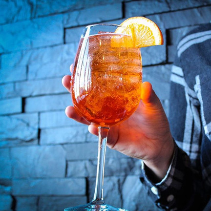 Who else misses our Aperol Spritz on dra