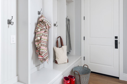 6202eCalleRosa-MudRoom.jpg
