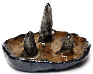 Rusty lookind ceramic jewellery dish