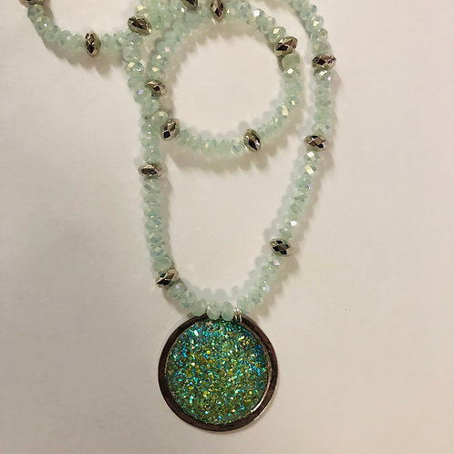 "26"" mint green crystals with mint green resin druzy round focal #50"