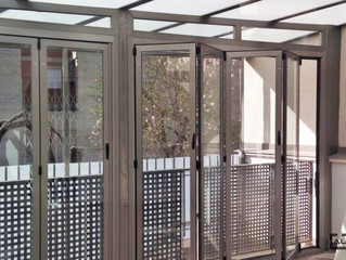 Puertas plegables en Vall d'Alba / Bi-Folding doors in Vall d'Alba