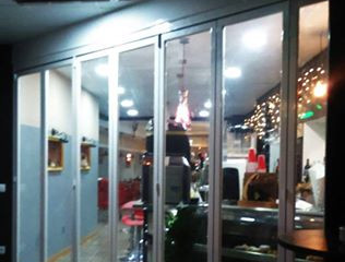 Puertas plegables en Oropesa / Bi-Folding doors in Oropesa