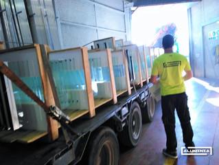 Cortinas de cristal Aluminia Sistemas / Frameless glass doors