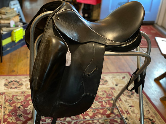 12131Wel JRD Dressage Saddle