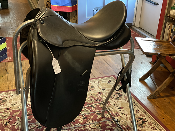 12879Gre Stubben Genesis Dressage Saddle