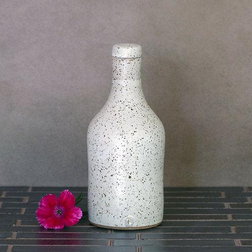 Bottle with ceramic stopper
