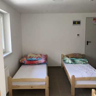 Emeleti nevelői szoba+mosdó.JPG