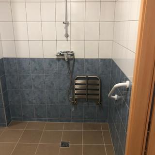 Mozgáskorlátorott mosdó fldsz.1-es szoba