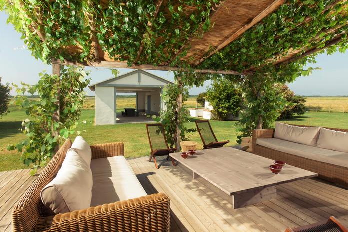 villa eucalipto_patio.jpg