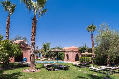 akhdar5_jardin_et_piscine.jpg
