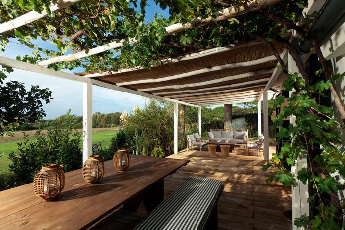 cottage alloro_patio.jpg