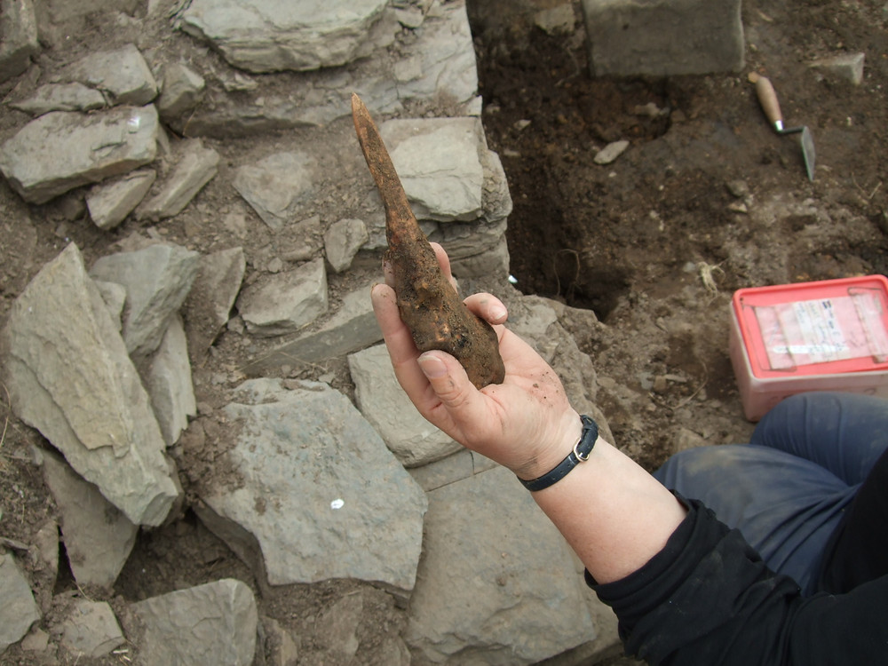 Bone tool made from a cattle ulna at swandro
