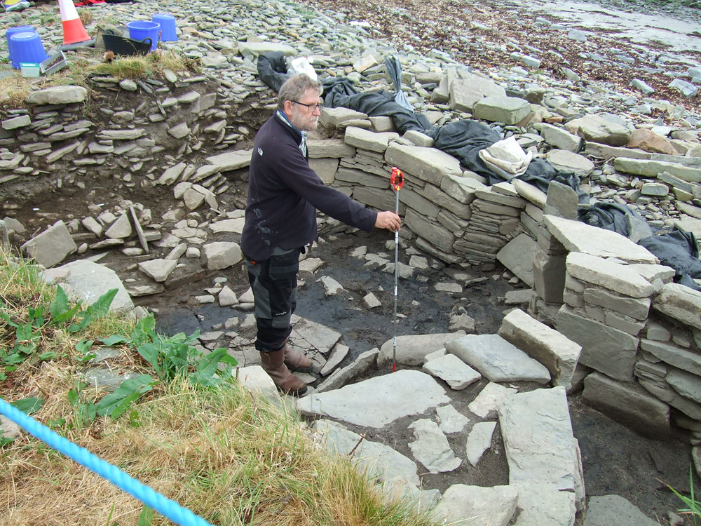 Gerry 3-D locating yet another find from the smithy at Swandro