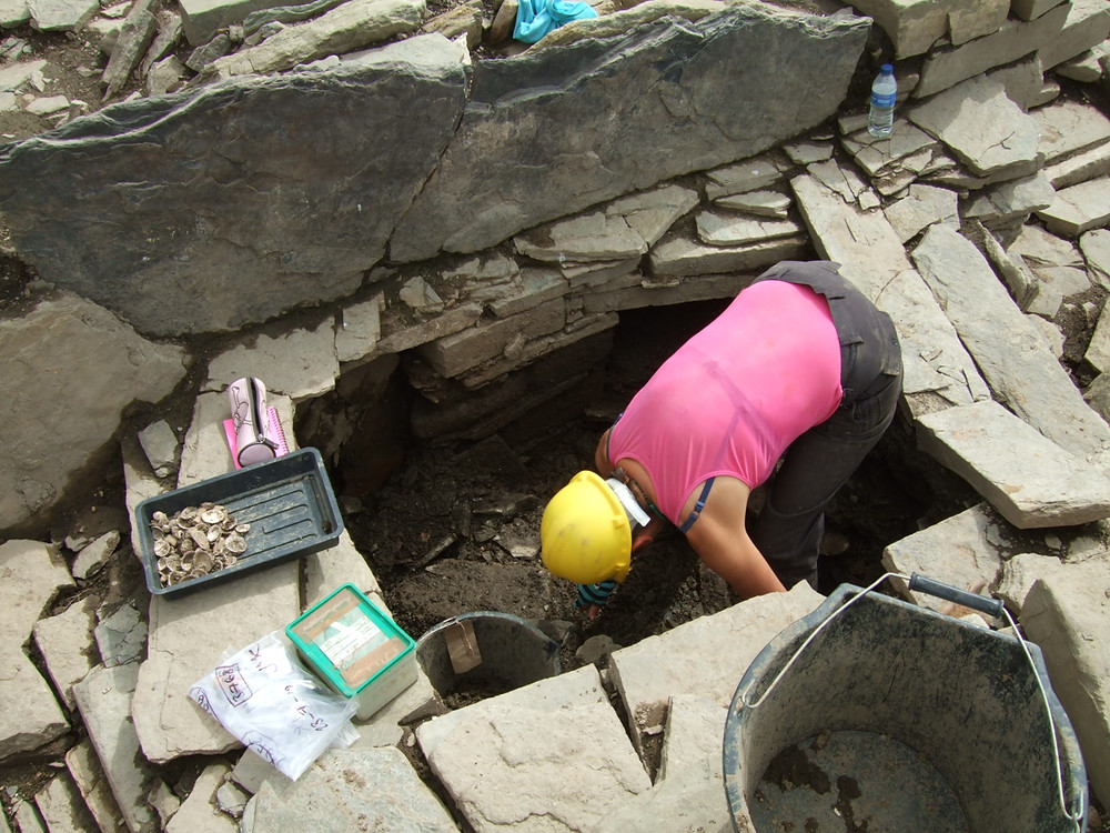 Jackie McKinley of Time Team fame digging at Swandro, Rousay, Orkney