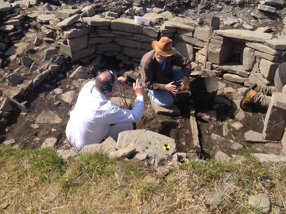 Alan explaining the finds from the Pictish Smithy at Swandro