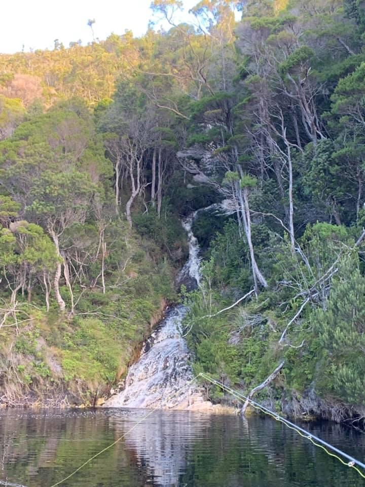 water fall (serpentine)
