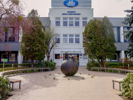 Академия Леона Козьминского в Варшаве
