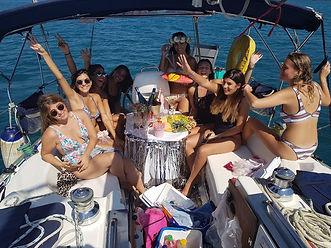 שייט יום הולדת,הפלגת יום הולדת,יום הולדת בים, יום הולדת על הסיפון