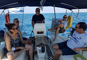 מפליגים עם חזי-קשת ים