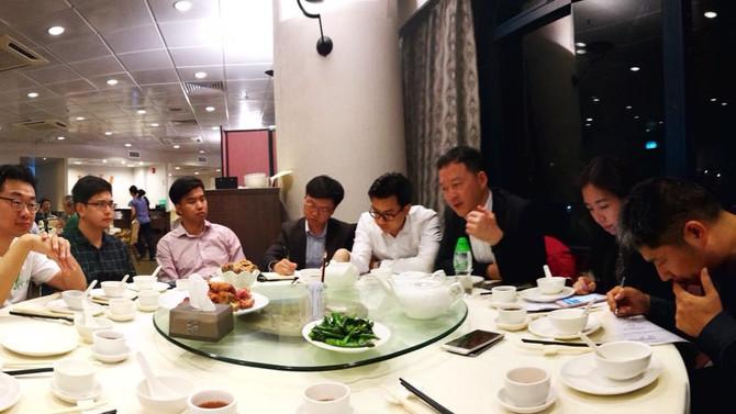 張俊勇先生同青年人分享全國「兩會」精神