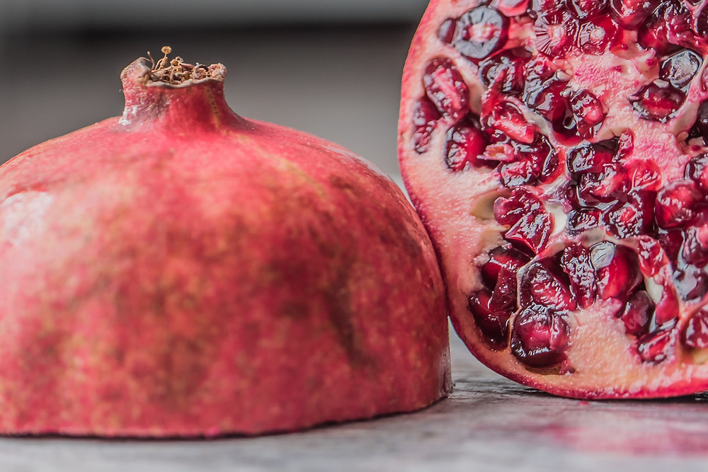 pomegranate fruit, antioxidant, anti-aging skincare, superfood skincare