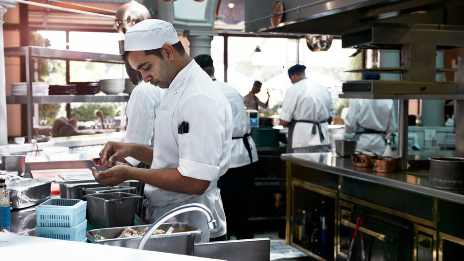 5 Types of People you find in a Restaurant Kitchen