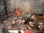 Почистване, маза, таван, двор, от строителни и битови отпадъци, камион, самосвал, бус, депо, сметище, регулирано