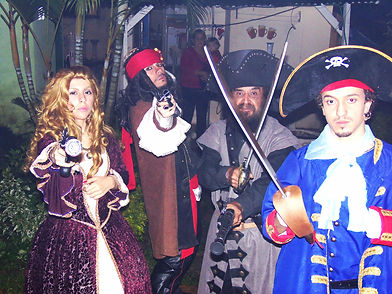 Animação de Festa com os personagens de Piratas do Caribe