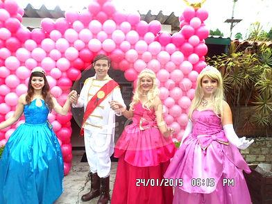 Animação de Festa com os personagens de Barbie Escola de Princesas