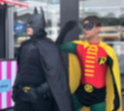 Animação de festa infantil com Batman  Robin