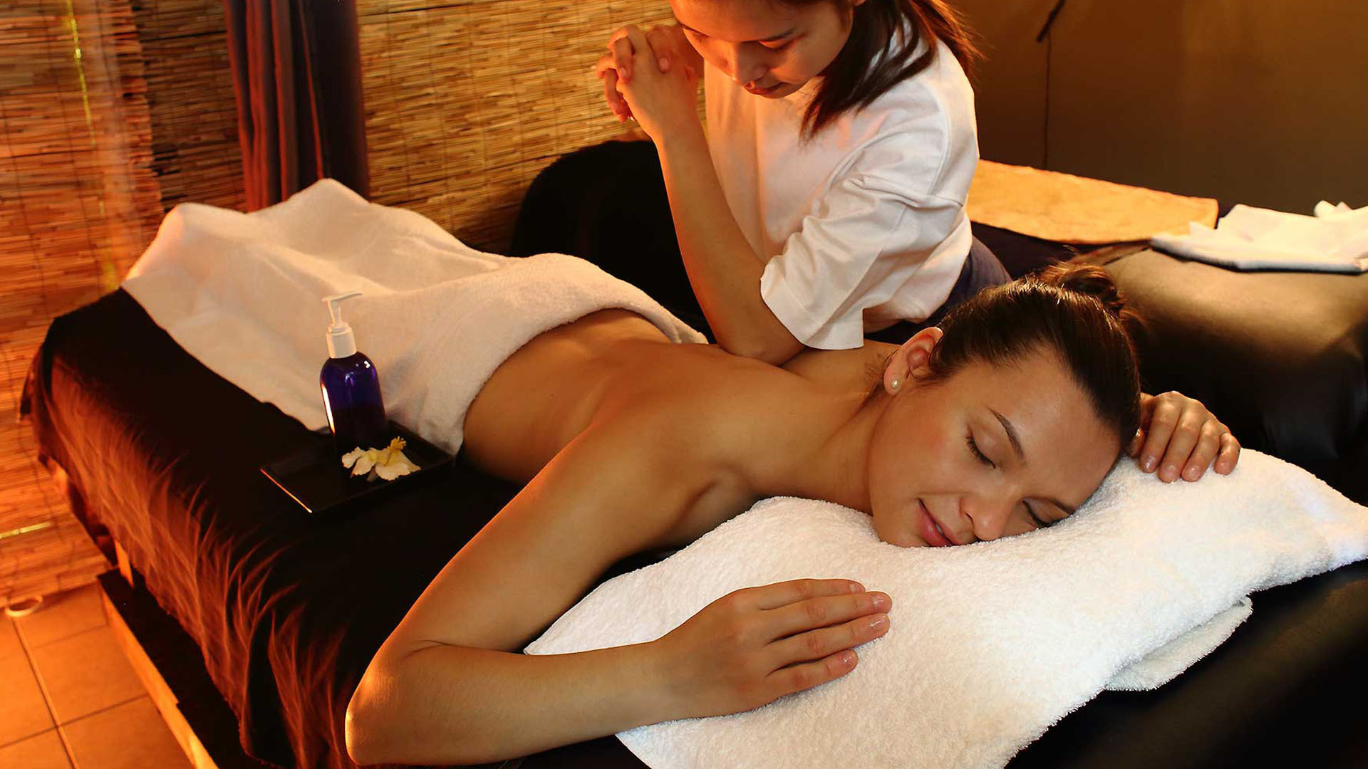 Тайский спортивный ойл массаж