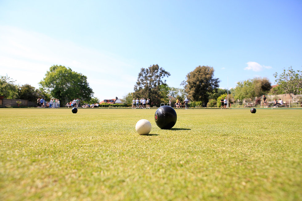 Someone has put the pressure on, a very good shot to start an end at Temple Bowling Club