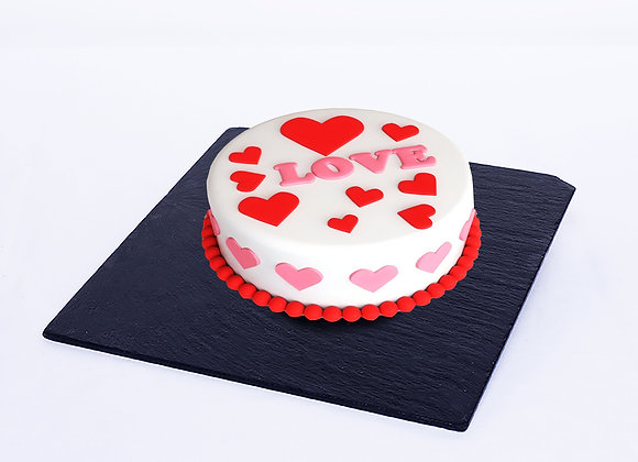 Hand made artisan cake done with chantilly cream and fresh strawberry 1 kg