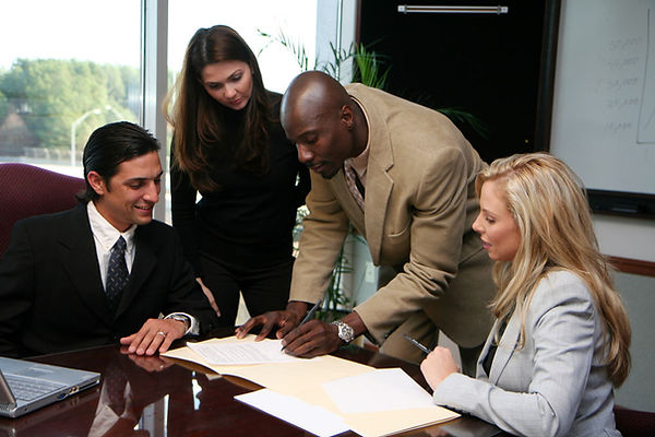 firma de contrato GAV en territorio suizo