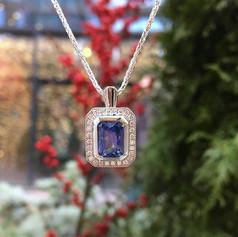 Sapphire deco pendant