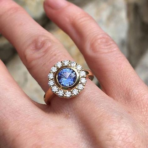 Sapphire halo