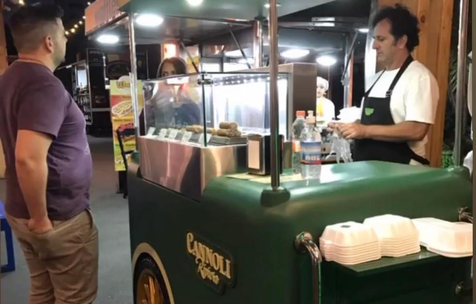 DiAntonio Multipurpose food cart.jpg