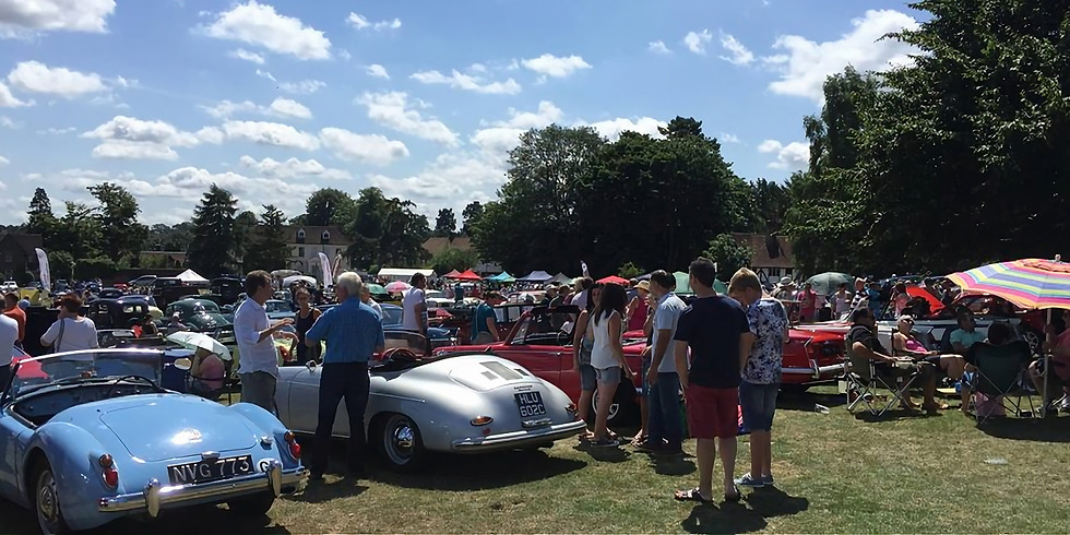 Classic Cars & Retro Vintage on the Green 2019