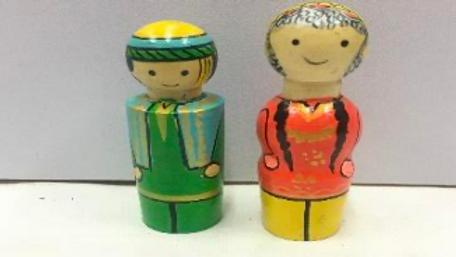 Wooden Kashmir Couple