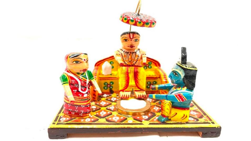 Wooden Krishna with Sudhama