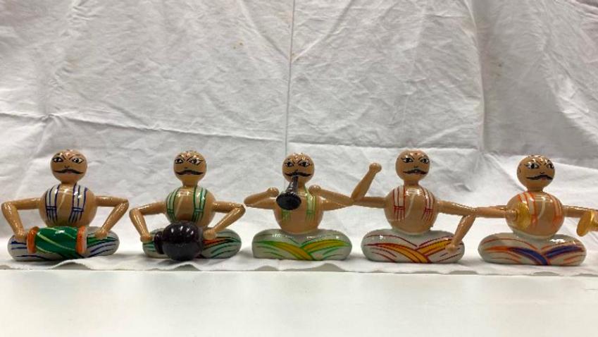 Wooden Poojari singing set