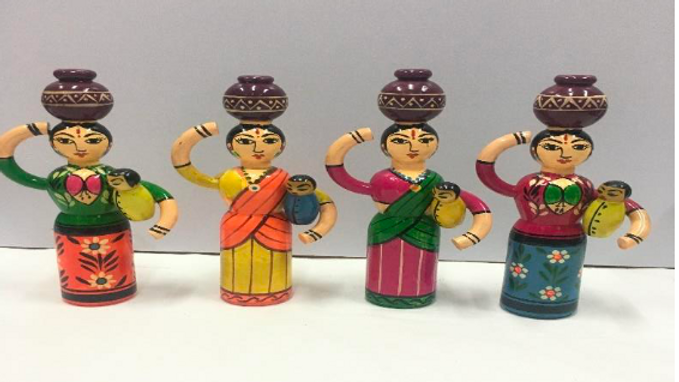 Women with kids (Set of 4)