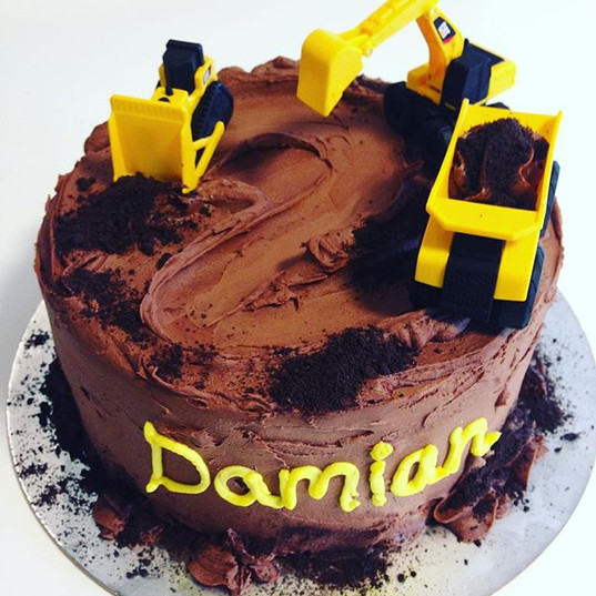 Construction cake for a 2nd birthday 🚜