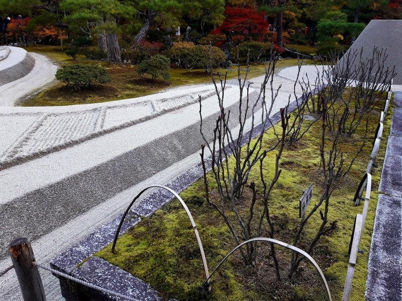 Изображение ландшафтного дизайна в японском стиле с использованием камня