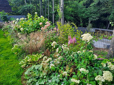 габионы в ландшафтном дизайне в саду на фото 174