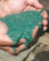 На фото гидропосев с приминением жидкого газона в Киве. Цена устройства такого газона выше чемрулонного или посевного