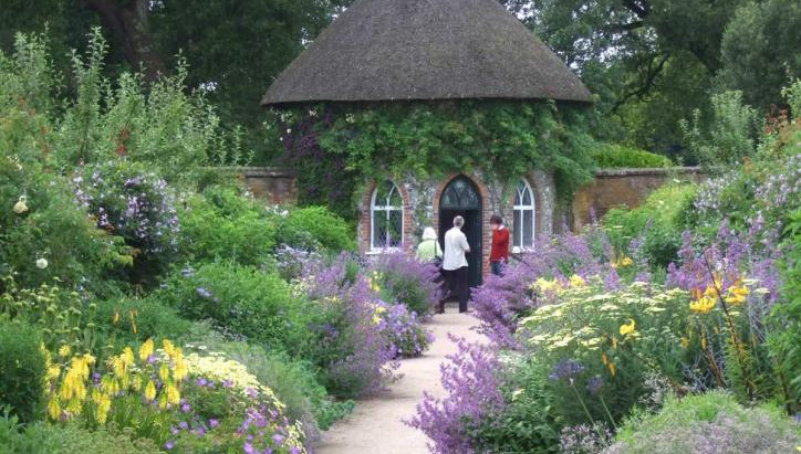 Лучшие частные сады на юг от Лондона + Hampton Court Flower Show 09.07.2020-18.07.2020